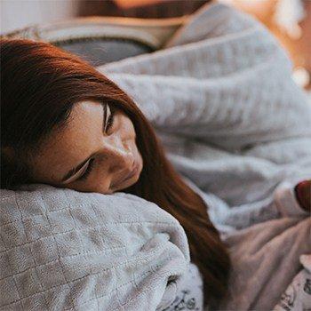 Утяжеленное одеяло Gravity Blanket снимает стресс, приятное на ощупь, теплое зимой, прохладное летом - галлерея